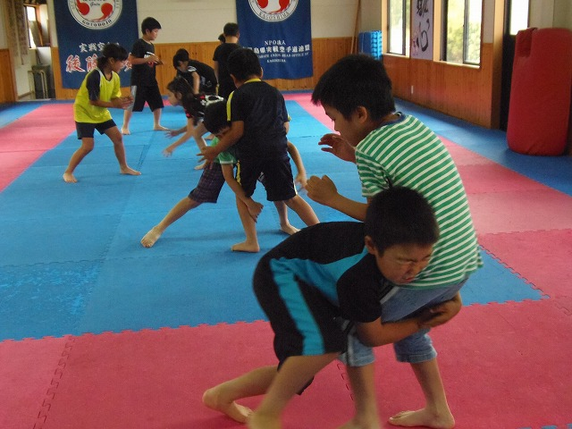 キッズレスリング教室